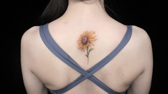 后背纹身 向日葵纹身