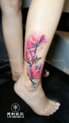 小腿水彩玉兰花纹身